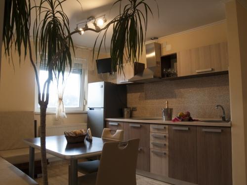 Apartament 28